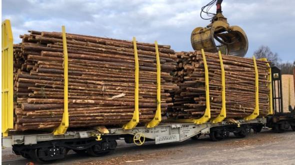 Vagnen som har marknadens största last-area heter Golden Bullet 2.0 och är resultatet av ett utvecklingssamarbete med ExTe i Ljusdal. Holmen Skog blir första kund att använda vagnen för rundvirkestransporter i Sverige.