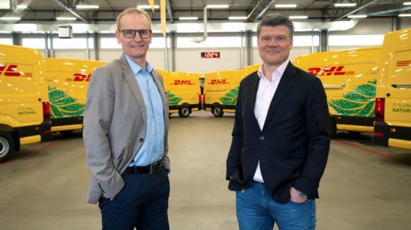 Michael Källbäcker, kvalitets- och miljöchef, och Peter Ervasalo, vd, på DHL Express.